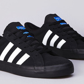 adidas Skateboarding - Americana VIN Low (Black x Running White)