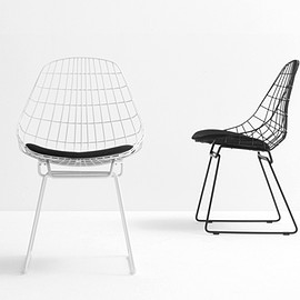 Pastoe Chairs: Wire Collection - KM series - pastoe wire stool KM05 . Design: cees braakman - 1958