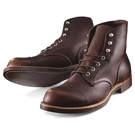 RED WING - 8111 IRON RANGE BOOTS / AMBER HARNESS LEATHER