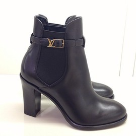 LOUIS VUITTON - boots.