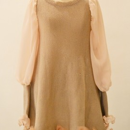 Flower embroidered pleated poncho