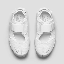 Nike - Air Rift White/Wolf Grey 復刻