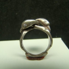 Xidni - Sterling Silver Swans Ring