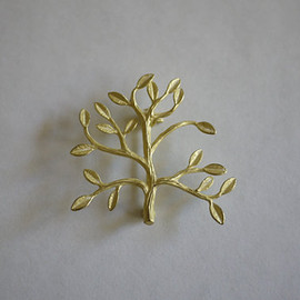 Tree Brooch Pin (Matte Gold)