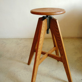 TRUCK - 117. KT HIGH STOOL