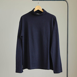 AURALEE - SEAMLESS TURTLE NECK L/S TEE #navy