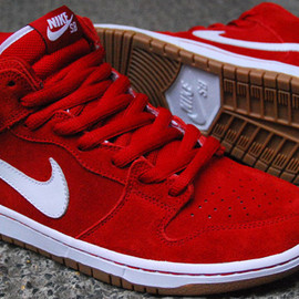 NIKE SB - Dunk Mid   Red   White   Gum Sole