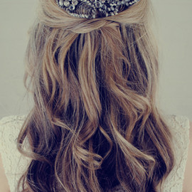 jenny-packham - jenny-packham-wedding-hair-accessory-elle-wedding.jpg