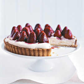 donna hay - sherry-soaked strawberry tart