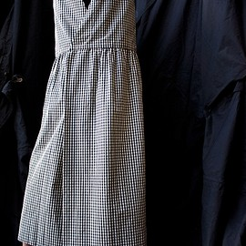 Studio Nicholson - BACK TO FRONT GINGHAM APRON DRESS