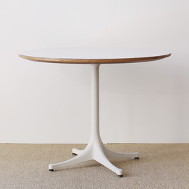 Herman Miller - Pedestal Coffee Table
