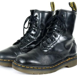 PASCAL 8EYE BOOT Black/White Dot
