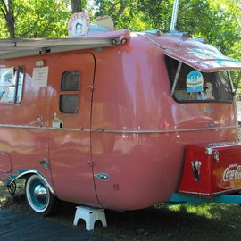camper - Boler - Must have the Coca-Cola chest