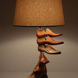 ANTHROPOLOGIE - Sure Footed Base