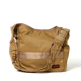 nonnative - COURIER SHOULDER BAG - 80d NYLON RIPSTOP by BRIEFING/COYOTE