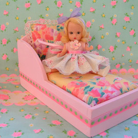 SALE....Pink Wooden Chaise Lounge for Petite Blythe/Nancy Ann dolls....Handmade and ooak