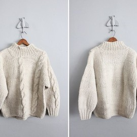1970s vintage natural wool chunky cable knit sweater