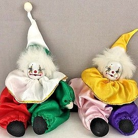 unknown - Porcelain Faces Sitting Clowns Red And Green And Pink And Purple