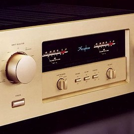 Accuphase - E-306
