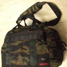 """HYSTERIC GLAMOUR - HYSTERIC GLAMOUR ×BRIEFING """"DUAL DUFFLE"""""""