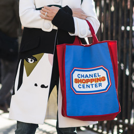 CHANEL - toto bag