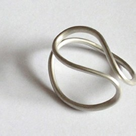 Luulla - sterling silver 'ring OMEGA No. 1' from the WEARABLE SCULPTURE collection