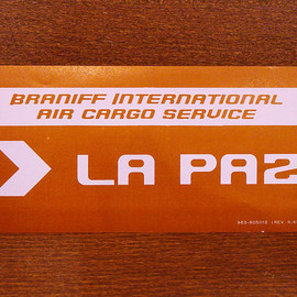 "BRANIFF INTERNATIONAL - luggage label ""LA PAZ"""