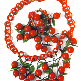 1930's Bakelite - Cherry Necklace