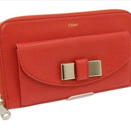 Chloe - lily red