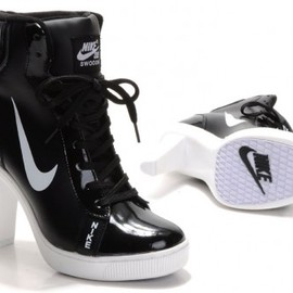 nike - Womens Nike SB Heels High Black / White