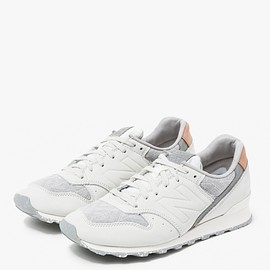 New Balance - 696 in Sea Salt/Silver Mink