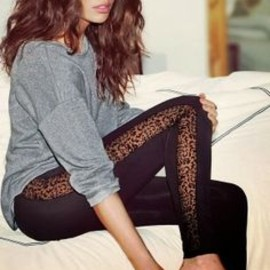Attrcative fall outfit with leggins