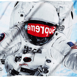 Supreme - Astronaut Beach Towel