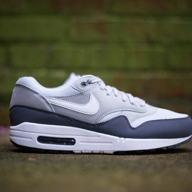 Nike - Air Max 1 Essential Wolf Grey