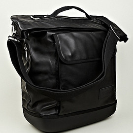 EASTPAK, KRIS VAN ASSCHE - Leather Shopper Bag in Black