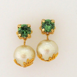 MiyabiGrace - Classy Cotton Pearl Earrings with Green Swarovski Crystals, スワロフスキーピアス、コットンパールピアス