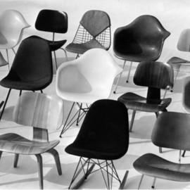 Eames  Chair.