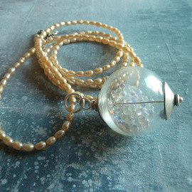 Wonder Globe Necklace White Pearls Sterling Silver