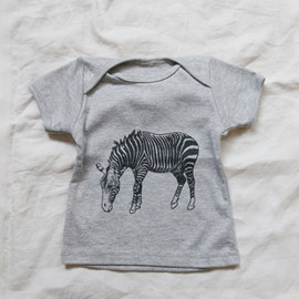 MAKIE - Baby Tee Gray - Zebra