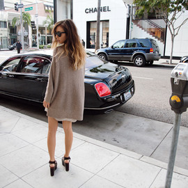 (Zara waffle knit sweater, T by Alexander Wang nude silk shirtdress, Céline wedges)