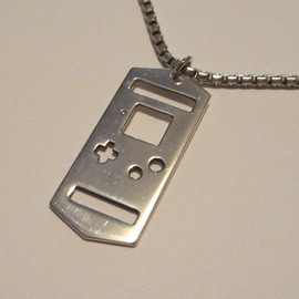 AHowlingJewellery - Sterling Silver Gameboy Pendant