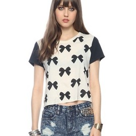 FOREVER 21 - Ditsy Bow Tee