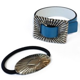 TOGA VIRILIS - Reversible Bangle Set (light blue/white)