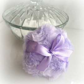 Luulla - Powder Puff La Petite Lilac - soft lavender purple - miniature pouf