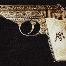 Adolf Hitlers personal pistol, 7.65mm Walther PP