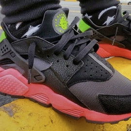 Nike - Air Huarache - Anthracite/Hyper Punch/Electric Green/Black