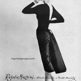Dovima wearing a dress by Roselie MaCrini & hat by Dior 1956    Photo by Maria Martel