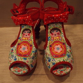 IRREGULAR CHOICE - .