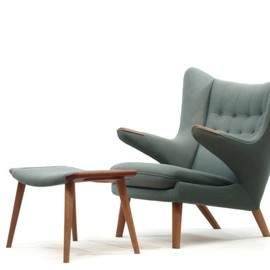 AP Stolen - Hans J. Wegner AP69 Papa bear Easy chair and Footstool