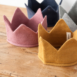 Oeuf - Knitted crown